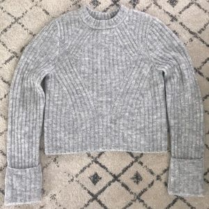 H&M gray chunky sweater